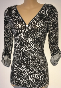 LONG SLEEVED ANIMAL PRINT ZIP FRONT TOP SIZES 8/10 & 16/18
